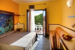 Hotel-Calabria-Marinella-di-Cutro-Serenè-Village-camera (Medium)