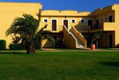 Hotel-Calabria-Marinella-di-Cutro-Serenè-Village-esterno (Medium)