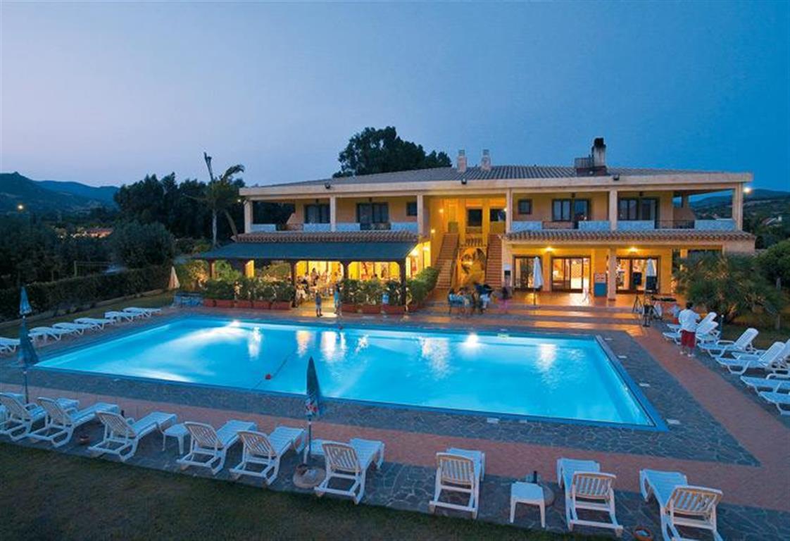 HOTEL CLUB LE ZAGARE – Sardegna