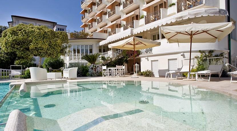 Hotel Il Negresco swimming pool