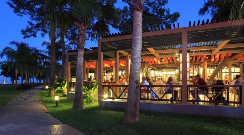 Restaurant_Poolbar53 (Medium)