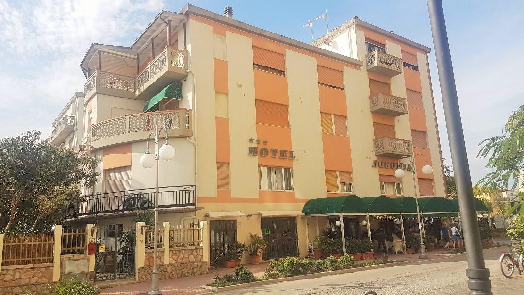Hotel Ausonia