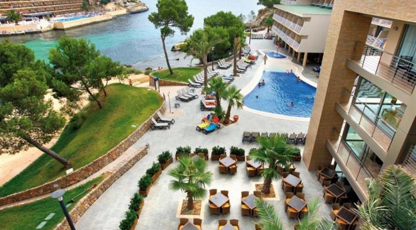 mallorca-barcelo-hotels-views-beach_222-3612 (Medium)