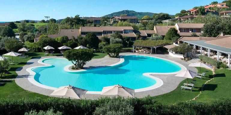 piscine-club-house (1)