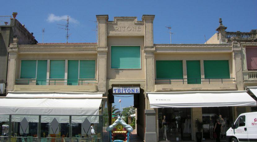 Passeggiata_di_viareggio_16_bagno_tritone
