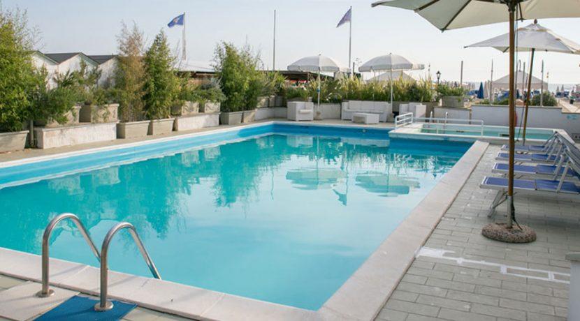 piscina-1000