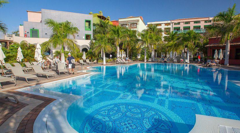 Hotel-Lopesan-Villa-del-Conde-Piscinas28