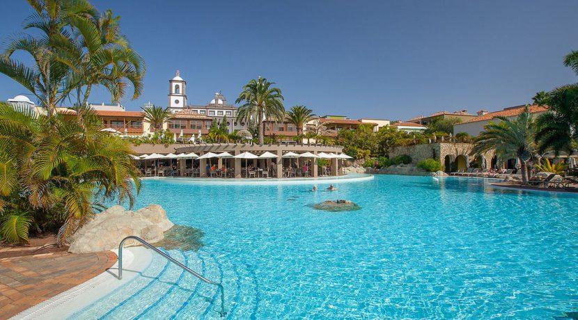 Hotel-Lopesan-Villa-del-Conde-Piscinas41