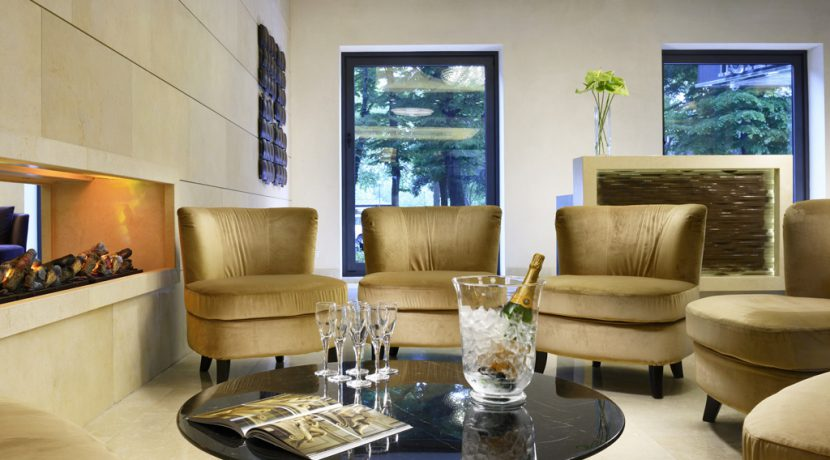 FH-Mediterraneo-hall-area-relax