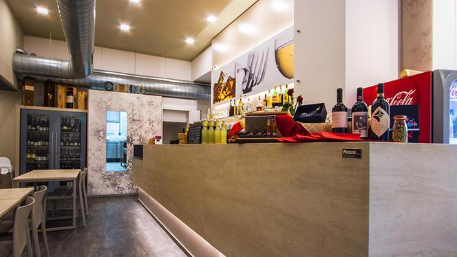 enjoy-bancone-del-bar-2c2ce