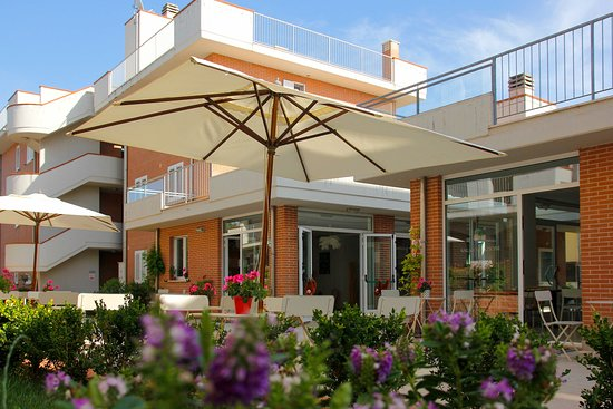 HOTEL & RESIDENCE I CINQUE PINI – Toscana